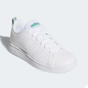 Adidas Youth 4.5/Women 7 advantage clean shoe BNWB